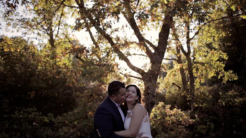 Video de boda en Salamanca de Carlos Lorenzo filmmaker. Divertido, natural. Grabado en la finca Casas del Sevillano